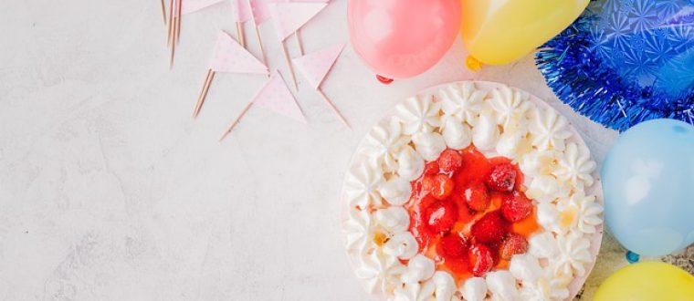 שולחנות מעוצבים בחתונה: לא תאמינו מה אפשר לעשות באמצעות סידורי בלונים!